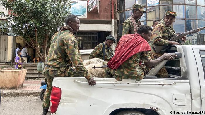 Bewaffnete Soldaten auf einem Pickup (Eduardo Soteras/AFP)