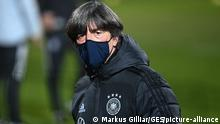 Fussball l DFB-Training, Bundestrainer Joachim Jogi Loew in Leipzig