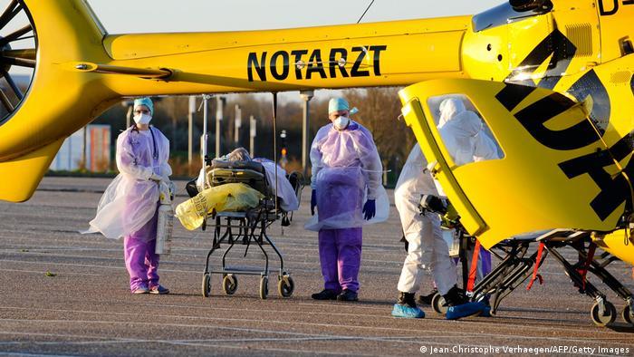 Больных коронавирусной инфекцией из Франции отправляют вертолетом на лечение в Германию