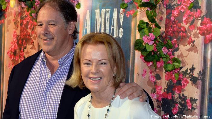 Anni-Frid Lyngstad y Henry Smith en 2016.