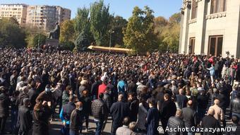 Акция протеста в Ереване с требованиями отставки Пашиняна