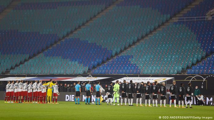 Fußball Hymne | Länderspiel Deutschland v Tschechien