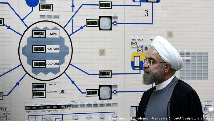 الرئيس الإيراني حسن روحاني يدشن عدداً من أجهزة تخصيب اليورانيوم (أرشيف)