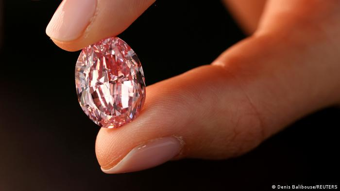 Pink diamond at Sotheby's auction