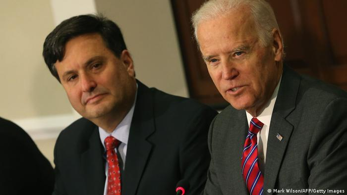 Der künftige Stabschef im Weißen Haus, Ron Klaiden, neben dem designierten US-Präsidenten Joe Biden