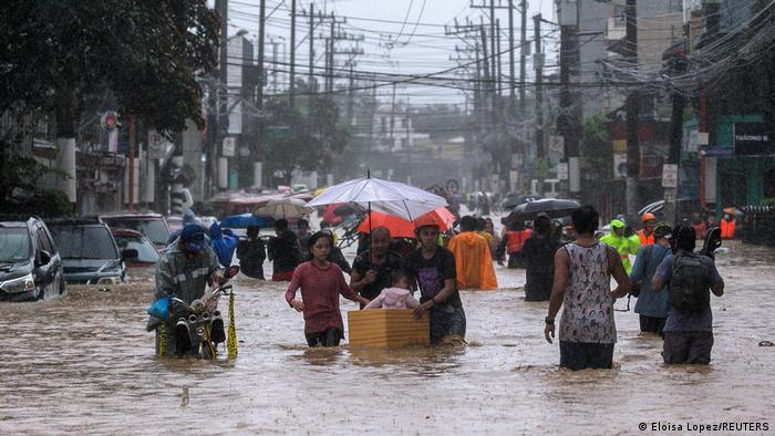 En Manila se registraron las peores inundaciones en décadas debido a Vamco