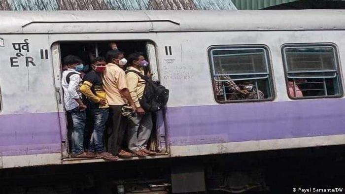 কলকাতায় বন্ধ থাকবে লোকাল ট্রেন।