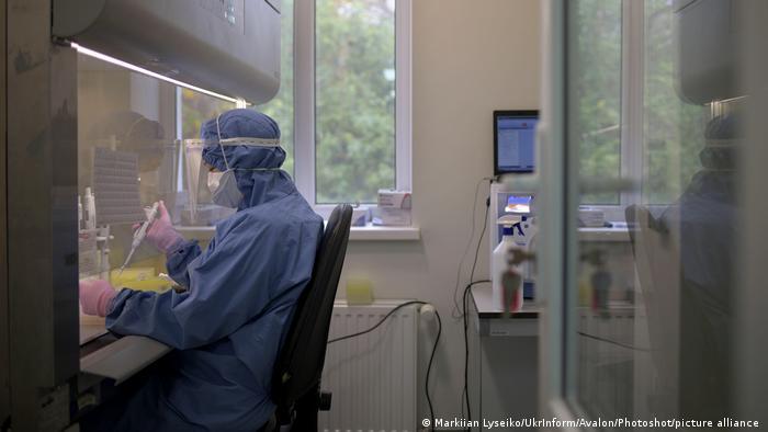 Ukraine COVID-19 Krankenhaus in Lviv