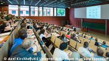 UKE, Lehre und Forschung, Vorlesung, Anatomie, N55, Karan Hörsaal, 23.06.14© Axel Kirchhof