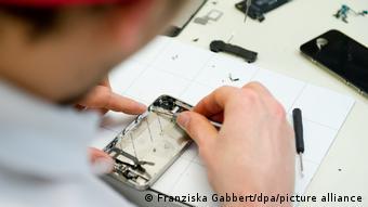 Δύσκολες στην επισκευή οι γνωστές μάρκες κινητών