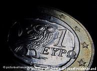 Eine griechische Ein-Euromünze, aufgenommen am Dienstag (04.05.2010) in Kaufbeuren (Schwaben) (Illustration). Foto: Karl-Josef Hildenbrand dpa/lby