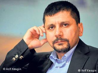عارف کسگین کارشناس مرکز تحقیقات استراتژیک ترکیه