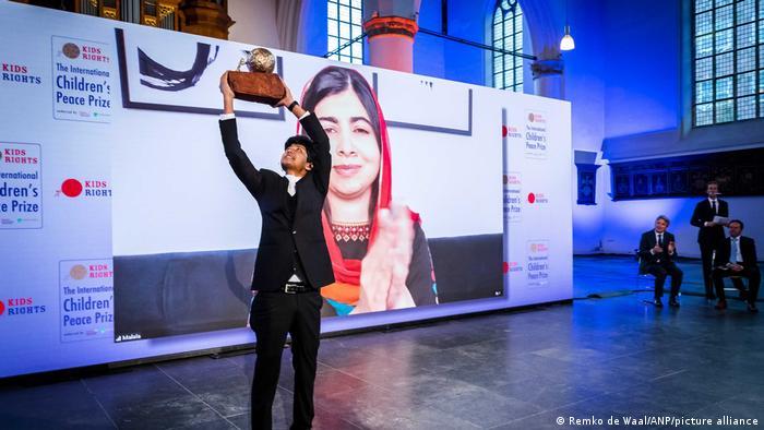 Sadat Rahman holds the International Children's Peace Prize