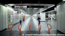 Covid 19: Wien vor dem 2 harten Lockdown Wien, 13.11.2020 U-Bahn Abgang Mariahilferstraße menschenleer   Verwendung weltweit