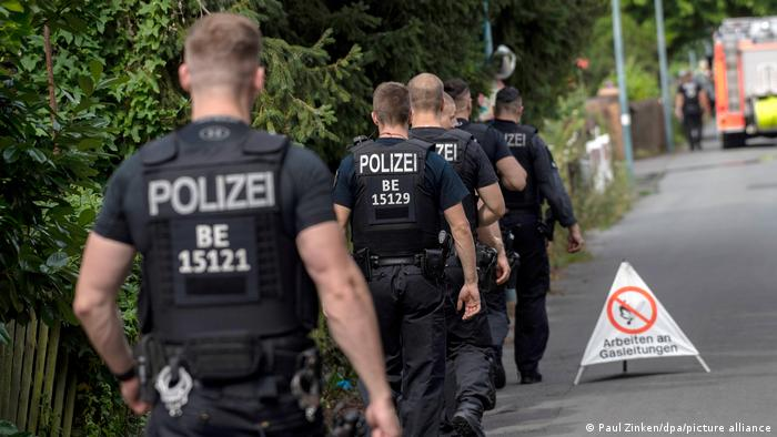 German police set a perimeter so a World War II bomb can be defused