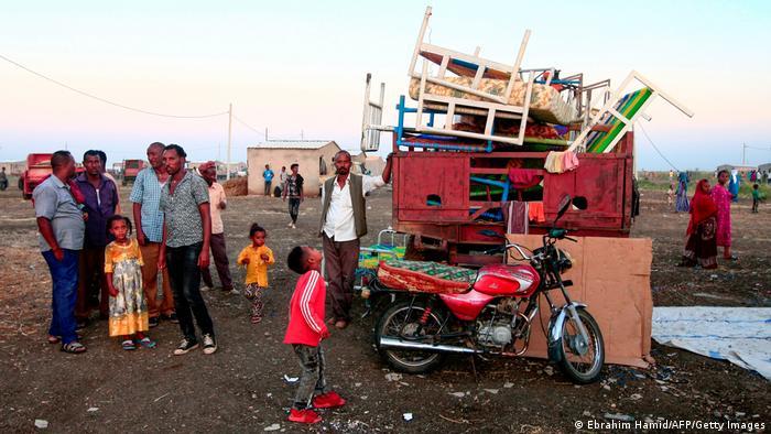 Äthiopien Konflikt Tigray | Grenzstadt Gadaref, Flüchtlinge (Ebrahim Hamid/AFP/Getty Images)
