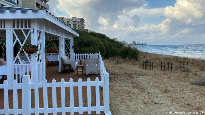 Zypern Strand von Varosia | vor Besuch Präsident Erdogan (Loukianos Lyritsas/DW)