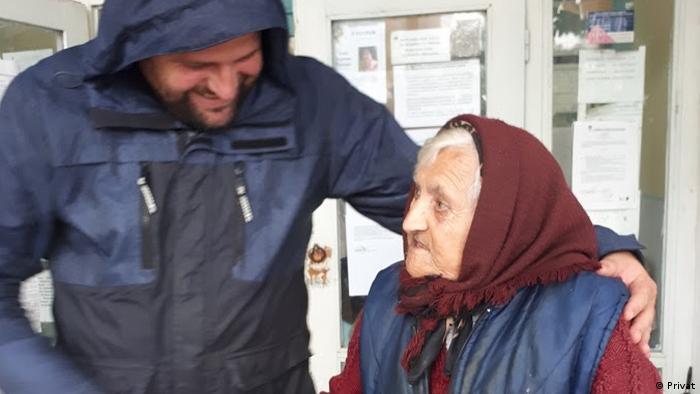 Милан Иванов и баба Гана в село Загражден