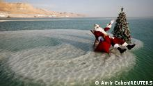 BdTD Israel Weihnachtsmann im Toten Meer