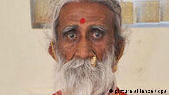 Fastender Wunder-Yogi Prahlad Jani