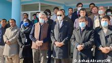Der UN-Hochkommissar für Flüchtlinge, Filippo Grandi (mit brauner Weste), vor wenigen Tagen bei der Eröffnung einer Schule für Afghanistan-Rückkehrer in der Provinz Bamiyan