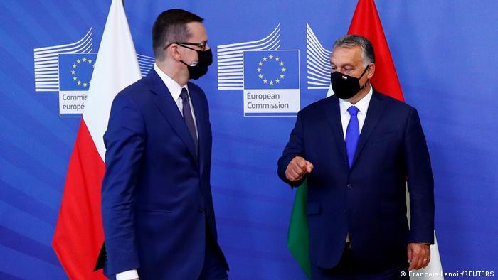 Os primeiros-ministros da Polônia, Mateusz Morawiecki, e da Hungria, Viktor Orbán