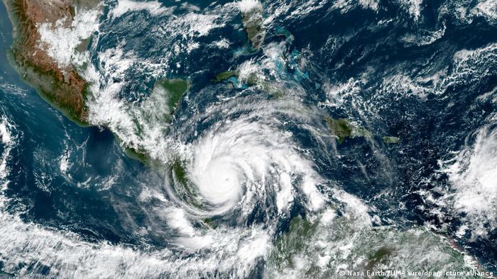 Tormenta tropical Iota llega a El Salvador y suma una decena de muertos |  Las noticias y análisis más importantes en América Latina | DW | 18.11.2020