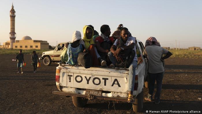 Flüchtlinge aus Tigray im ostsudanischen Bundesstaat Al-Qadarif (Foto: Marwan Ali/AP Photo/picture alliance)
