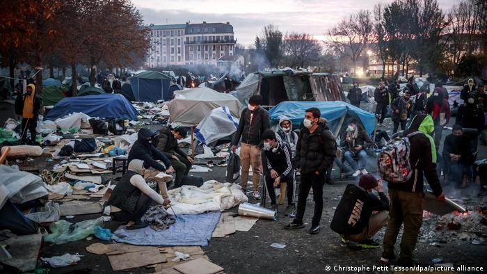 Frankreich Saint Denis | Evakuierung | Flüchtlingslager