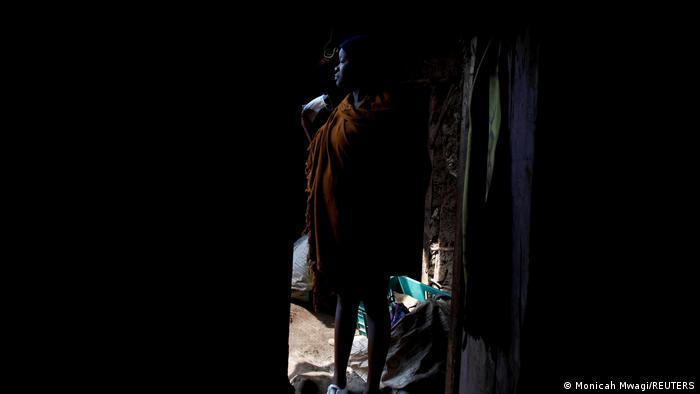 BG Schulen schließen und Schwangerschaften von Schülerinnen steigen in Kenia