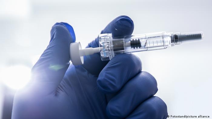 صورة رمزية عن التطعيمات، من مدينة بامبرج الألمانية بتاريخ 12 نوفمبر 2020