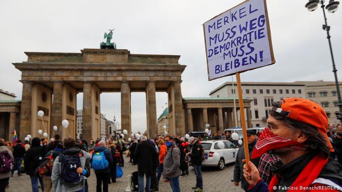Berlin | Proteste împotriva măsurilor anti-coronavirus
