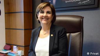 Eskişehir Osmangazi Üniversitesi Enfeksiyon Hastalıkları ve Mikrobiyoloji Anabilim Dalı'ndan Prof. Dr. Gaye Usluer