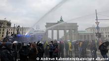 La police a ordonné la dissolution de ce rassemblement en milieu de journée