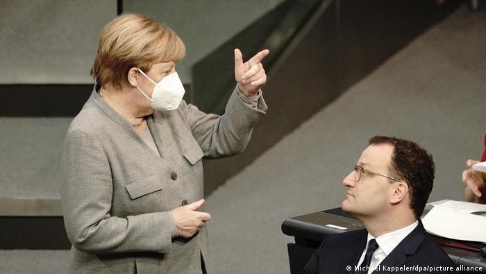 Deutschland Bundestag Änderung des Infektionsschutzgesetzes Angela Merkel
