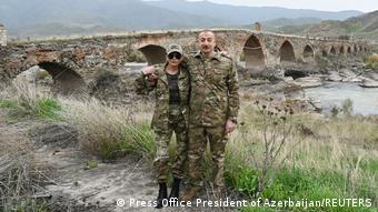 Президент Азербайджана с супругой в Физулинском районе, который возвращен под контроль Баку