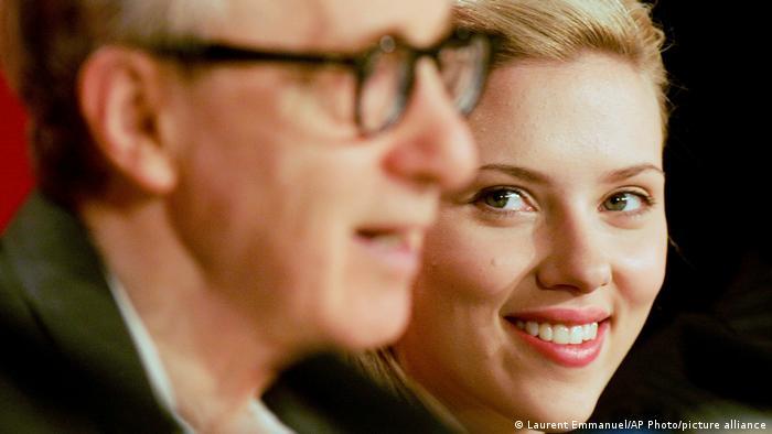 Woody Allen und Scarlett Johansson während einer Pressekonferenz zum Film Match Point, Cannes, Frankreich 2005