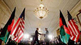 USA Obama mit Karzai
