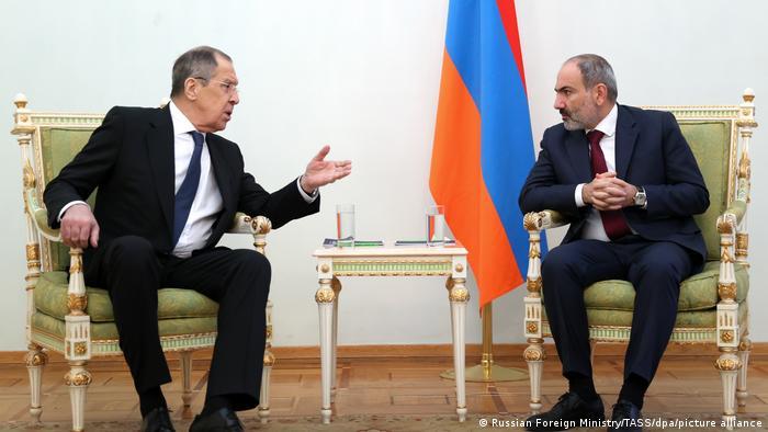 Ermenistan Başbakanı Paşinyan, Rusya Dışişleri Bakanı Lavrov ile de bir görüşme yaptı