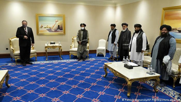 Katar Doha |Mike Pompeu, US-Außenminister & Abdul Ghani Baradar, Taliban