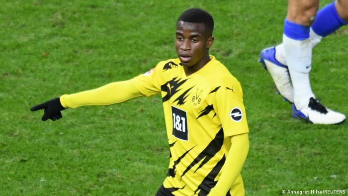 Bu sezon Borussia Dortmund formasıyla 16 yaşında fileleri sarsan Youssoufa Moukoko, Bundesliga tarihinde gol atan en genç oyuncu oldu.