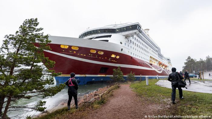 Viking Grace run aground