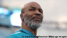 JACKSONVILLE, FL - SEPTEMBER 19: Former boxing champion Mike Tyson looks on during the game between the Tennessee Titans and the Jacksonville Jaguars on September 19, 2019 at TIAA Bank Field in Jacksonville, Fl.Photo by David Rosenblum/Icon Sportswire NFL, American Football Herren, USA SEP 19 Titans at Jaguars PUBLICATIONxINxGERxSUIxAUTxHUNxRUSxSWExNORxDENxONLY Icon1909191123
