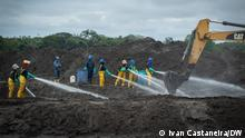 Equador Napo Riverside | Arbeiter | Ölverschmutzung