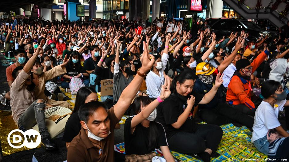 Clubhouse app lets Thailand pro-democracy protesters speak freely
