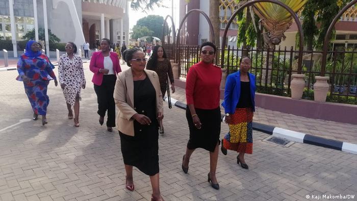 Tansania Dodoma  Parlamentsmitglieder der Oppositionspartei CHADEMA