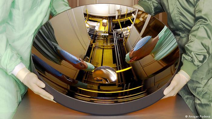Ein Spiegel der Firma Zeiss, der in der Produktion von EUV-belichteten Siliziumwavern eingesetzt wird. (Foto: Ansgar Pudenz)