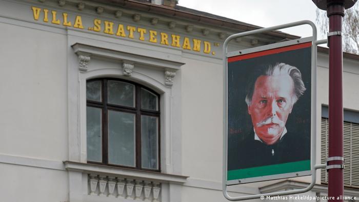 Deutschland Radebeul   Karl May Museum   Porträt
