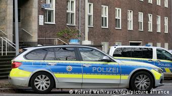 Немецкие полицейские обменивались экстремистскими материалами в приватных чатах