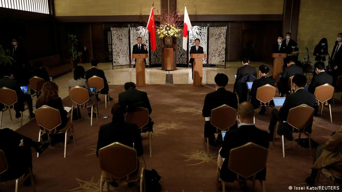 Japan Tokio  Wang Yi, Außenminister China & Toshimitsu Motegi